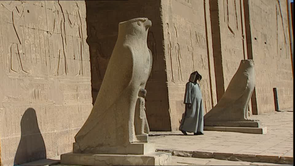 407174051-edfou-temple-d'horus-faucon-sanctuaire