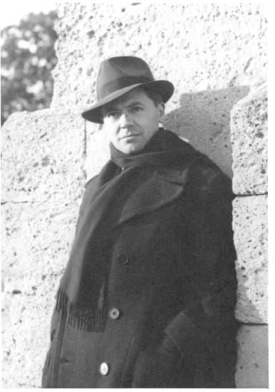 1315201-Jean_Moulin_en_1939